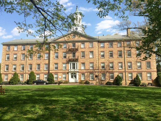Alexander_Hall_Princeton_Theological_Seminary-1